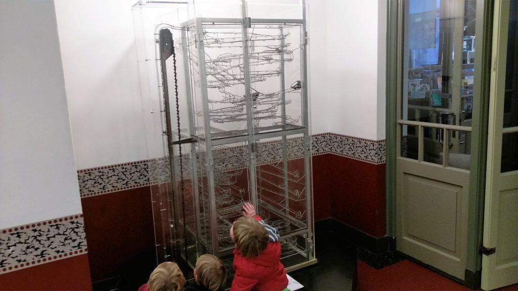 Science Center Delft - knikkerbaan