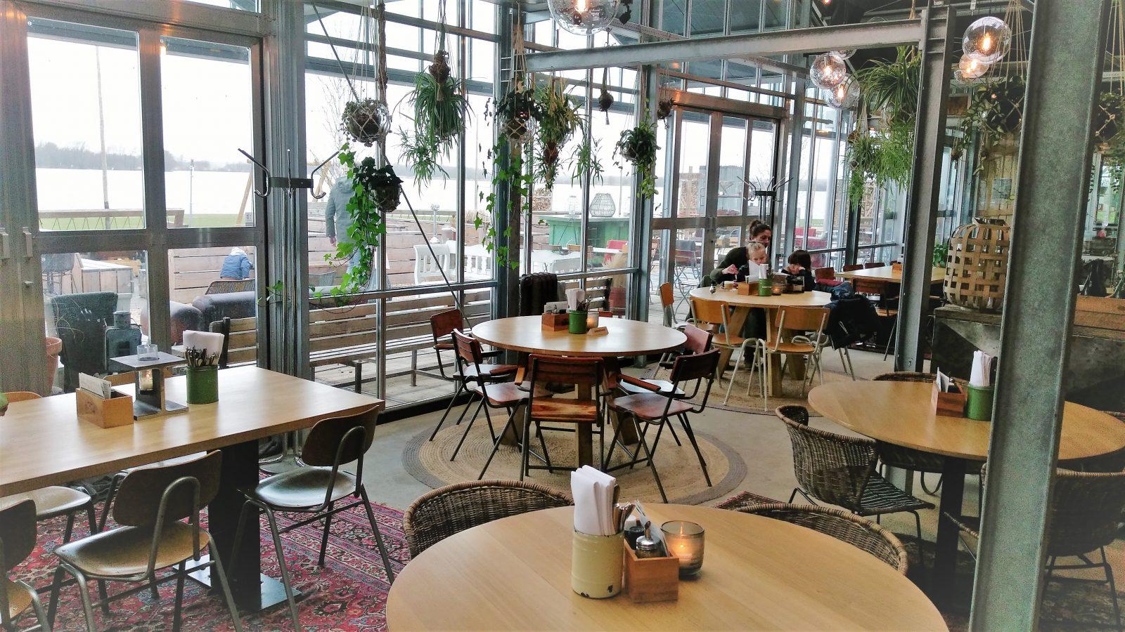 Brasserie Buitenhuis interieur