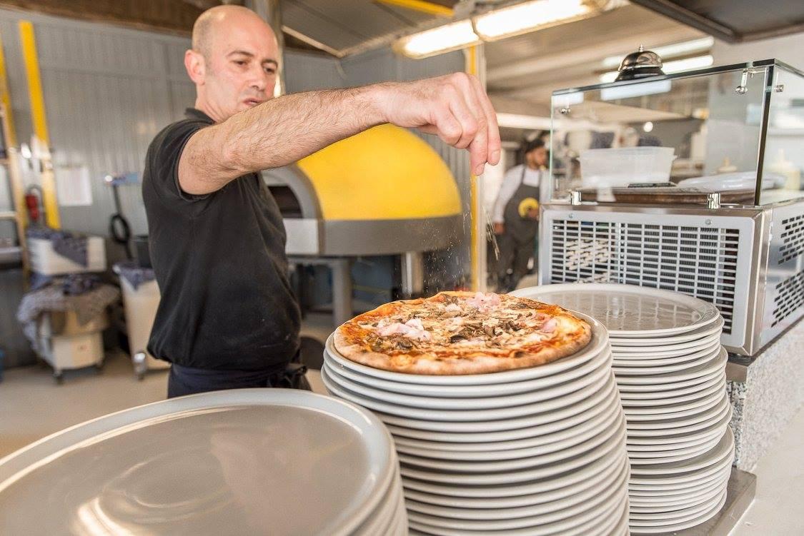 Raak pizzabakker