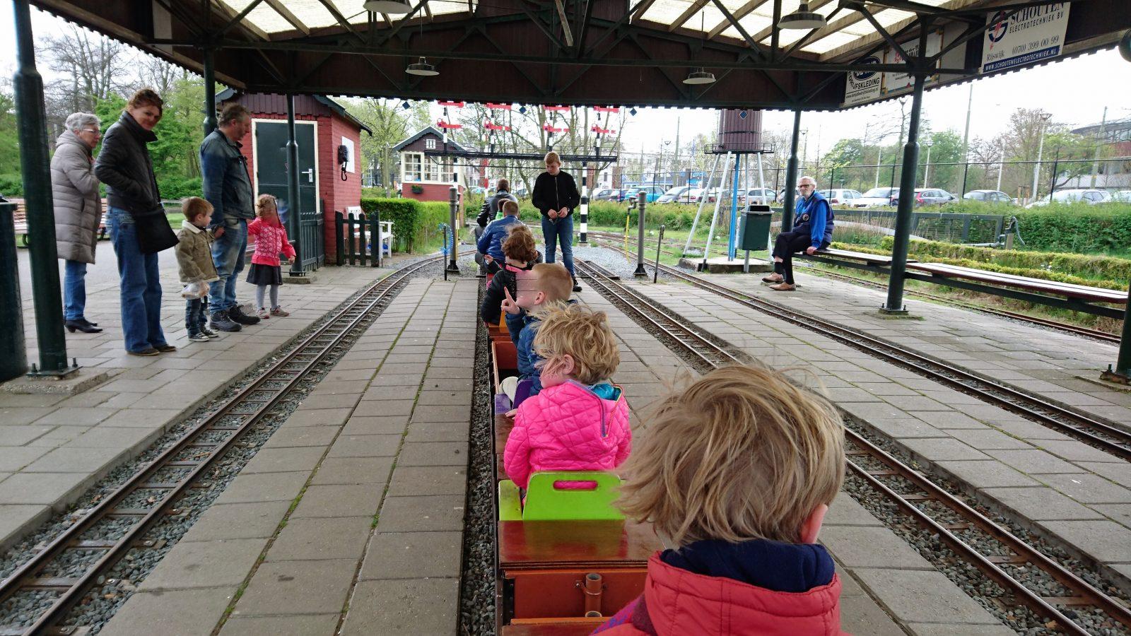 Trein zuiderpark station