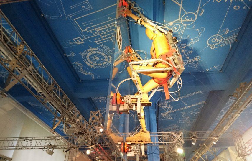 Science Center Delft - climbing man
