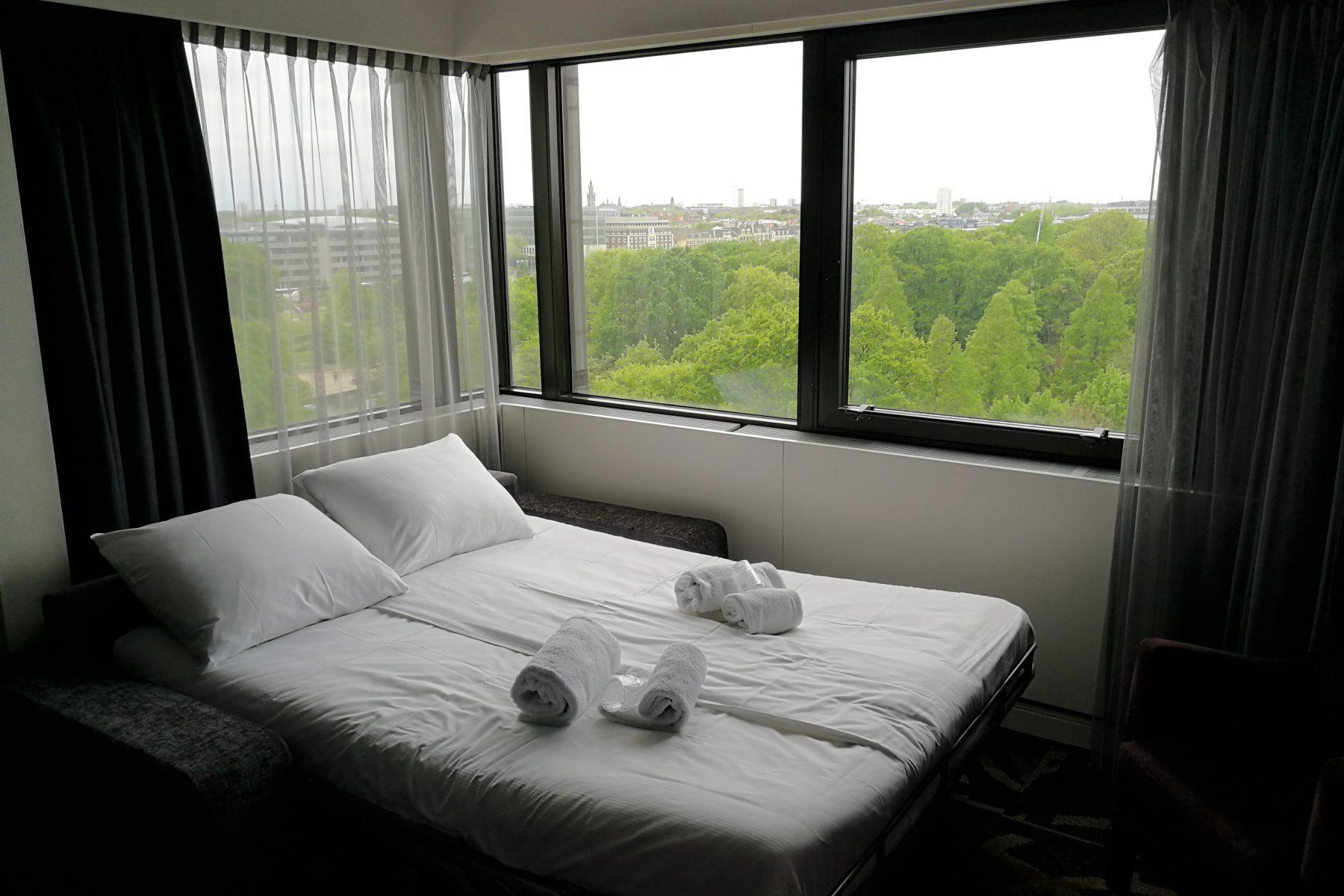 Hotel Babylon bed 1 kids
